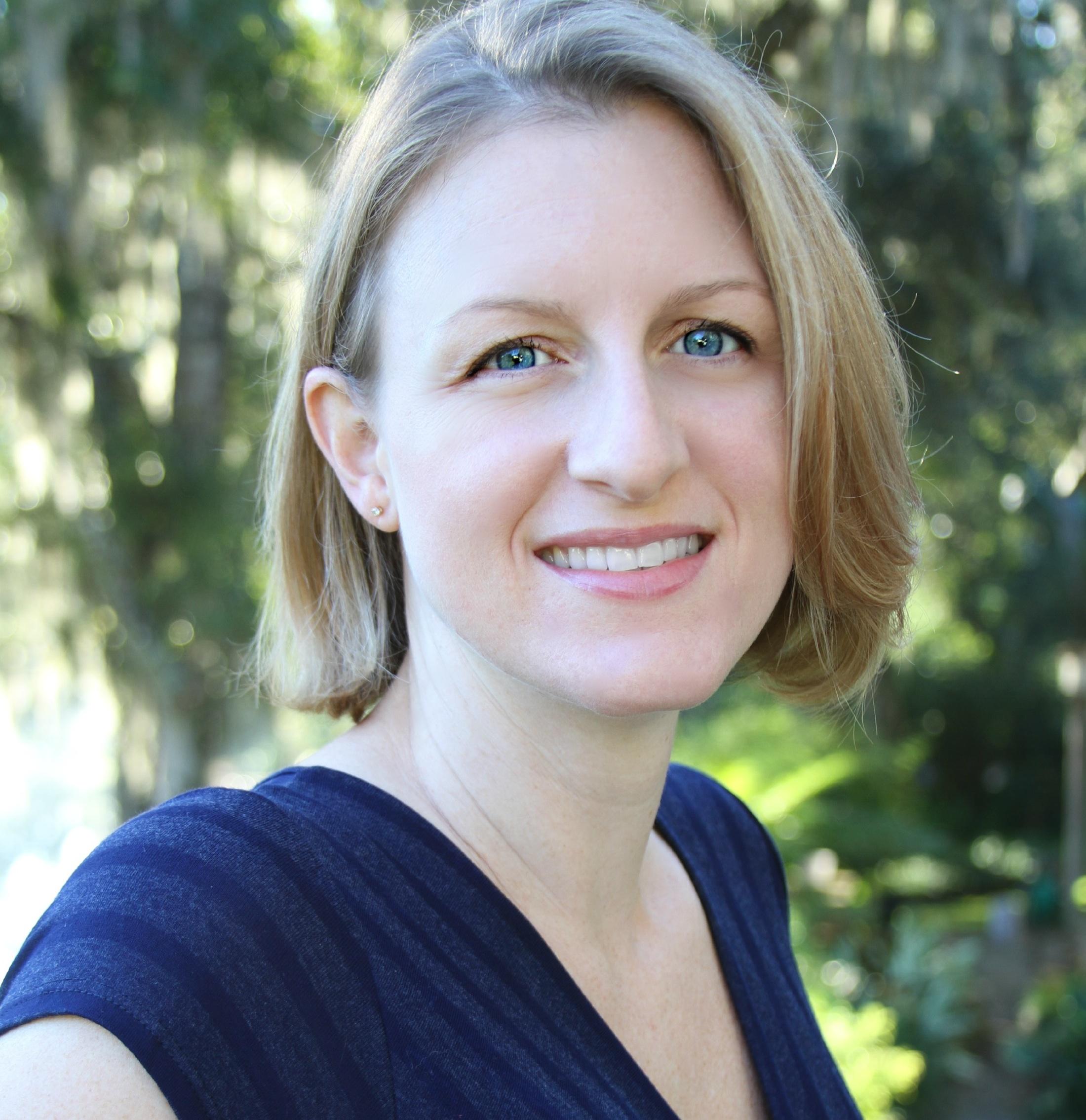 Headshot of Angela Stuesse